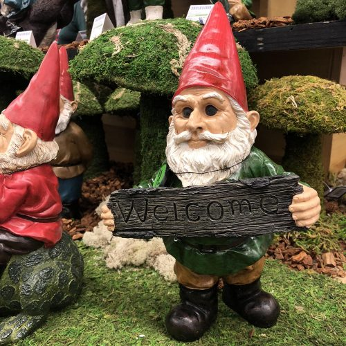 Michael Carr Designs Resin Statuary Garrold Gnome Welcome at 2018 Expo